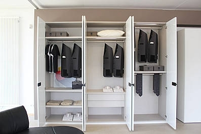 lema kleiderschrank luna design online shop. Black Bedroom Furniture Sets. Home Design Ideas